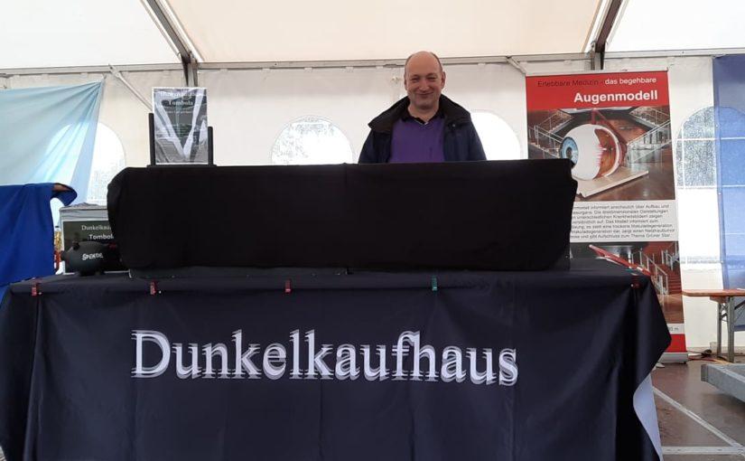 Team vom Dunkelkaufhaus beim Bürgerfest in Hanau